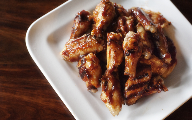 grilled_barbecued_chicken_wings_1