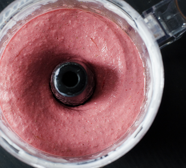five_minute_strawberry_frozen_yogurt_3