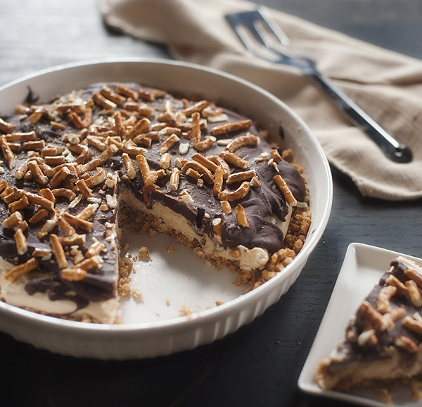 chocolate_peanut_butter_pretzel_pie_3