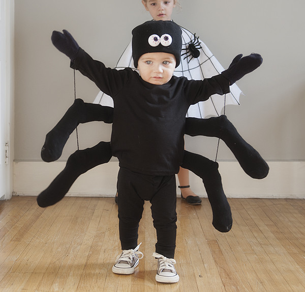 Easy diy spider and spider web costumes pretty plain janes for Diy halloween costumes for kid boy