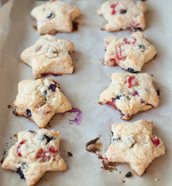 blueberry_strawberry_scones_3